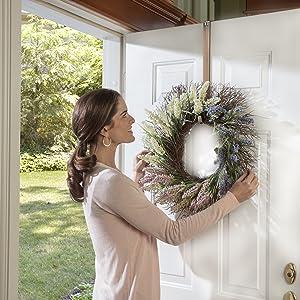 Adapt Adjustable Length Wreath Hanger