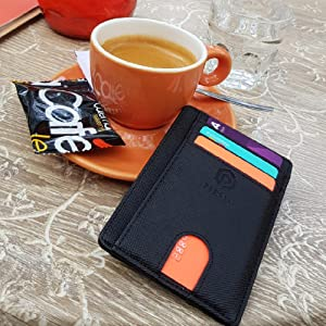 Excellent wallet in a nice slim size!