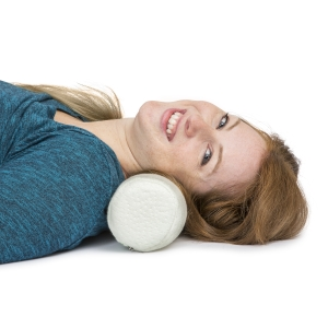 """K Ka Ua Neck Roll Pillow Cervical Bolster with Bamboo Cover – Memory Foam Spine Lumbar Traction Spondylosis Support 4"""" Diameter x 17 """"Length (4 Inch)"""