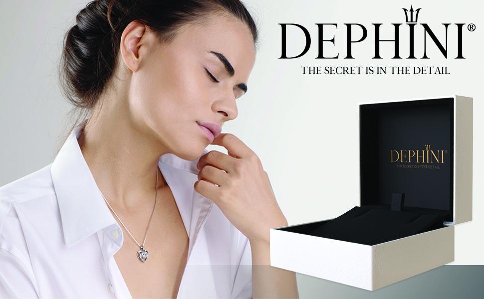 Dephini heart necklace