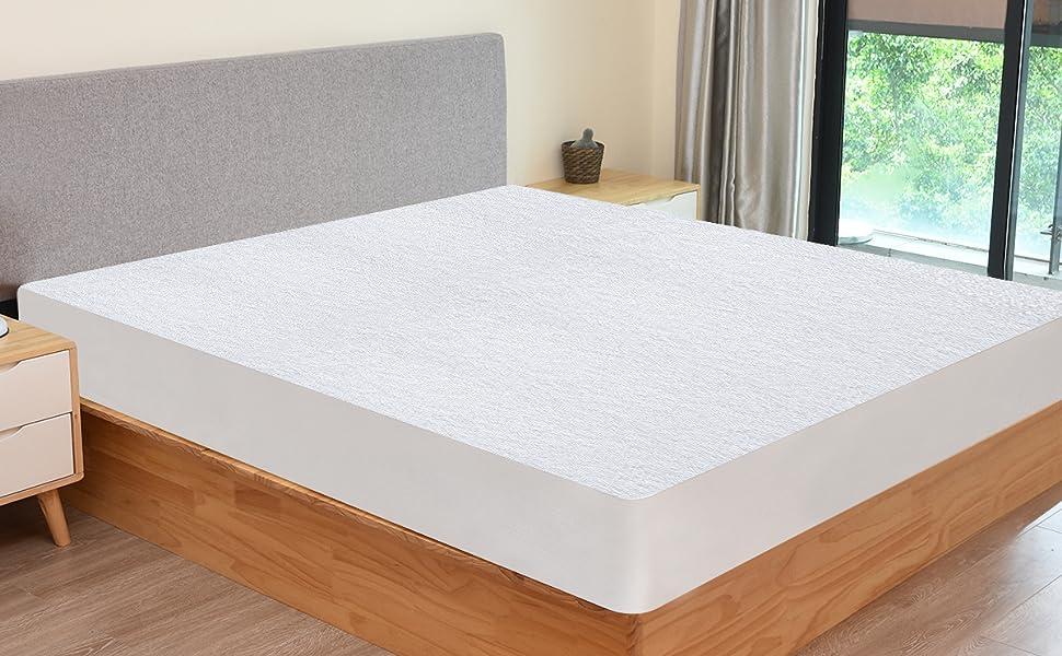Terry Towel waterproof mattress protector 1