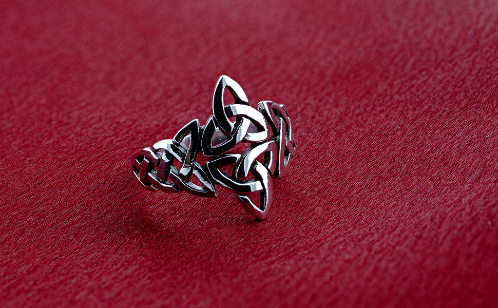 925 Sterling Silver Triquetra Celtic Knot Design Ring…