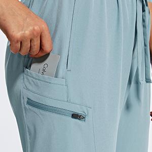 Ziper pockets