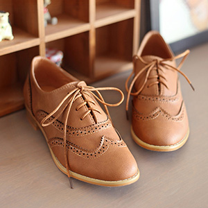 comfy lace up oxfords