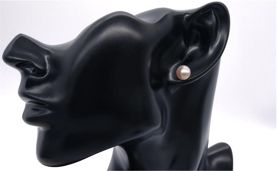 8mm pearl stud earrings in 18K gold