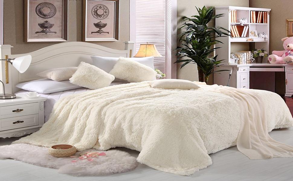 white fur blanket