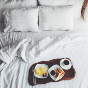Flat sheet bed hotel