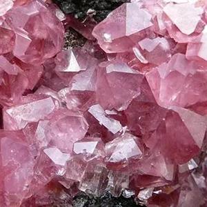 rose quartz roller