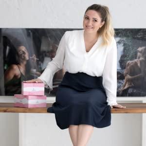 monique hello-body girl power lean in female entrepreneurs body positive