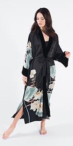 KIM+ONO Women's Charmeuse Kimono Wrap Maren Black