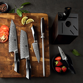 High quality professional Damascus steel kitchen knife