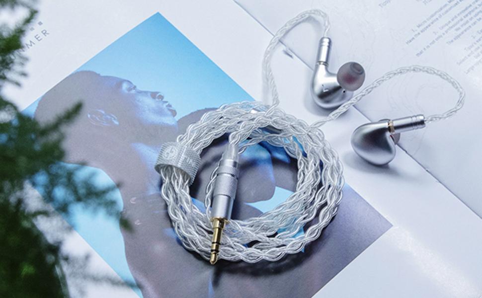 T2 PLUSはアップグレード4コア銀メッキ22AWG銅線を搭載します。マイクの騒音を防止するために、エブリー芯が200D Kevlar繊維で包んでいます。オーディオマニアにより良い聴感を持ってきま