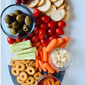 sirarcha pretzels;flat pretzels;Vegan Pretzel;Chip snacks;pretzel chips;pretzel thins;Baked chips;