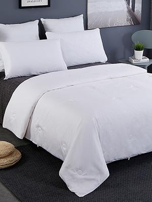 silk bed comforter