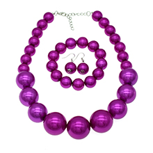fuchsia pearl necklace