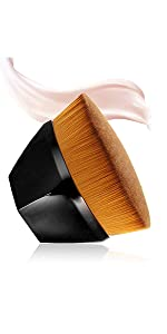 Flat-tip foundation brush