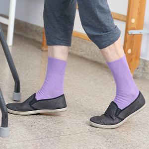 Violet non-binding socks