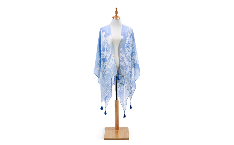 DEMDACO Sketches of Nature Soft Blue One Size Fits Most Polyester Fabric Kimono