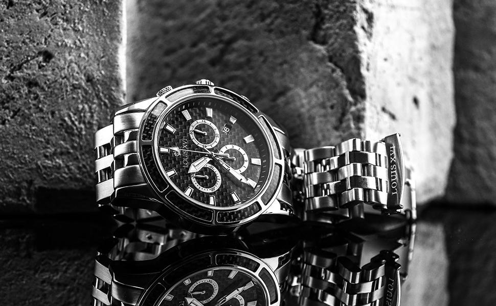 silberne Herren Uhr maskulin schick edelstahl design