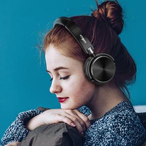 ON EAR HEADPHONES 6