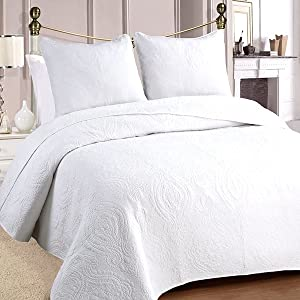 Amazon Com Cozy Line Home Fashions Bailee Matelasse Medallion Solid White 100 Cotton Bedding Quilt Set Reversible Luxury Chic Bedspread Coverlet For Bedroom Guestroom Medallion White Queen 3 Piece Home Kitchen