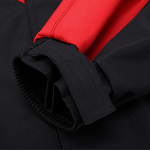 The waist and cuffs can be tightened