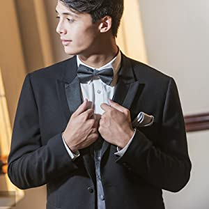 Bow tie is suitable for formal occasions