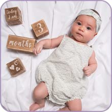 Baby keepsake gifts for new parents.