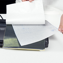 Take out the protective layer of the transfer paper