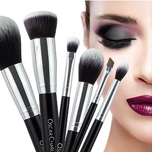 Oscar Charles Juego de brochas de maquillaje profesional con mezclador de belleza y limpiador en elegante estuche de brochas, presentado en una hermosa caja de regalo [15 piezas] [plata]: Amazon.es: Belleza