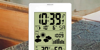 Displays Weather Info In A Simplified Manner