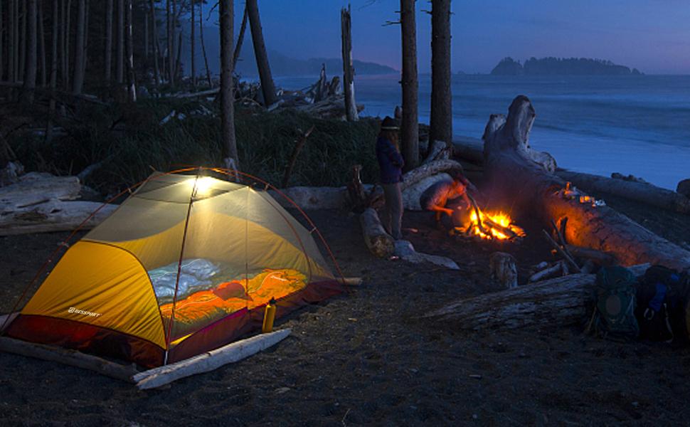 Schlafsäcke eignen sich hervorragend für Campingzelte im Freien