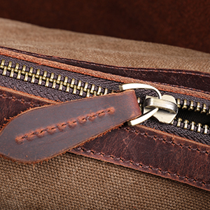 Large Leather Puller & Smooth Zipper