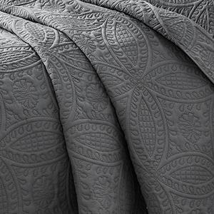 quilted bedspread full bedspread teal bedspread black bedspread ivory bedspread