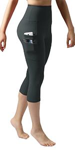 Dual pocket capris leggings