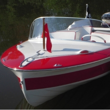 Fiberglass boat repaired with WEST SYSTEM Epoxy