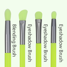 eyeshdow brushes