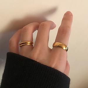 women simple rings