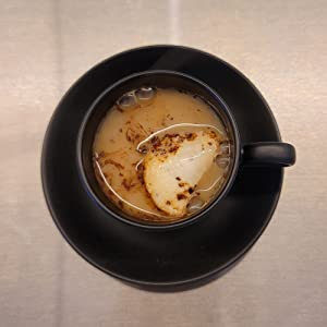 Pour 3~4oz of hot water