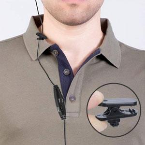Clip am Kragen für zusätzliche Sicherheit