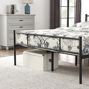 lit en métal avec espace de rangement