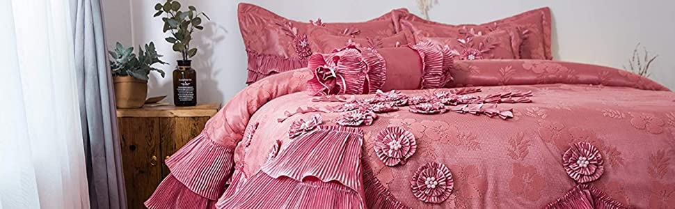 pink princess royal Victorian extravagant glamourous glamour glam style bed bedroom