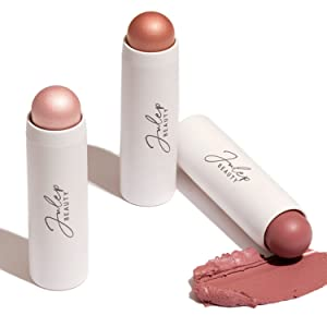 Add luminous color to cheeks, eyes, and lips for an effortless look.