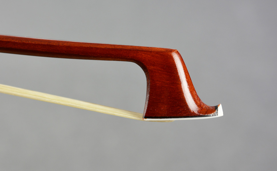 Brazilwood Octagonal Cello Bow 1//2 Size VINGOBOW 310C Half Advanced Level Parisian Eyes Ebony Frog Sweet Sound Natural Horse Hair Straight Smooth Tuner Easy Rosin Neat Works