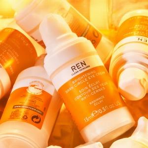 brighten eye dark spot vegan clean skincare premium luxury eye cream undereye bags