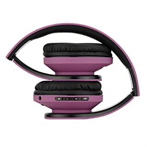 extendable and foldable headphones perfectly fit in carry case of powerlocus very easy to carry