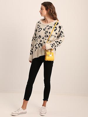 chic leopard sweater women