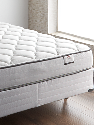 The Marriott Hotel Bed - Official Bed of Marriott Hotels - High End Foam  Mattress & Supportive Box Spring - King