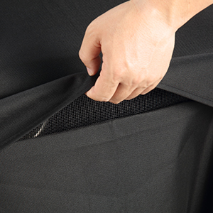 WIND RESISTANT GRILL COVER with velcro strapa
