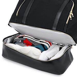 Weekender bag with shoe pocket